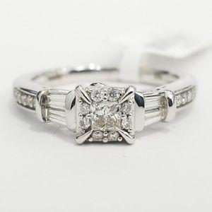 Jewelry - White Gold Diamond Ladies Engagement Ring